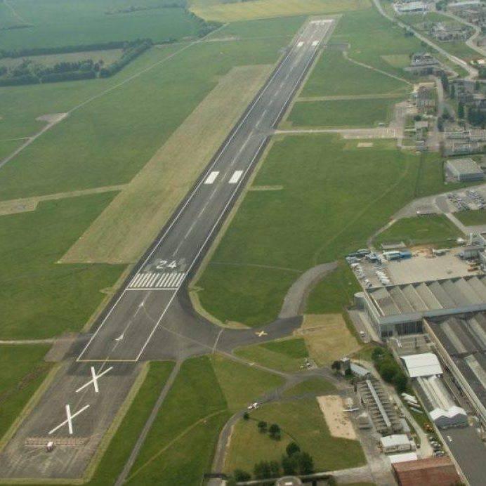 L'aéroport de Bourges - LFLD